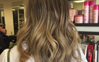 Womens hair style mudium image